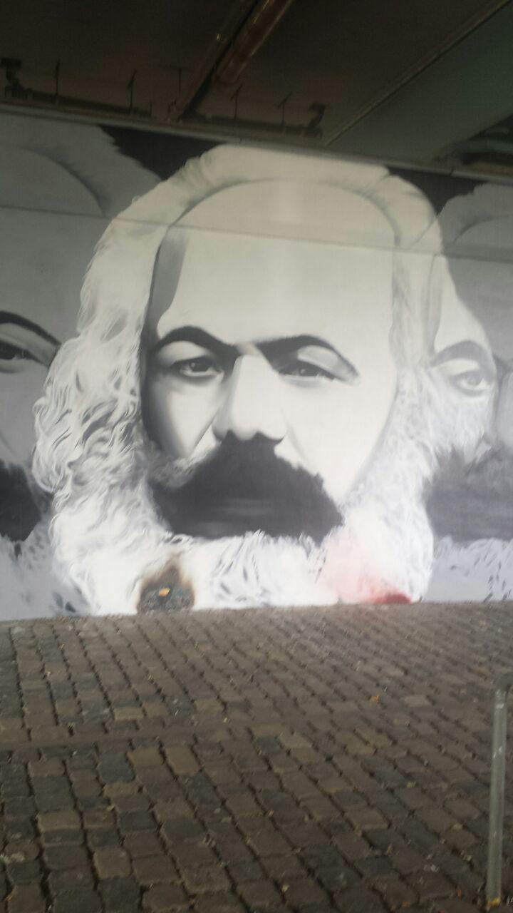 "Thomas Nails ""Marx in Motion"" (4)"